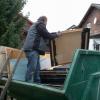 Requisiten-Lager wird aufgelöst. Der Container wird randvoll!