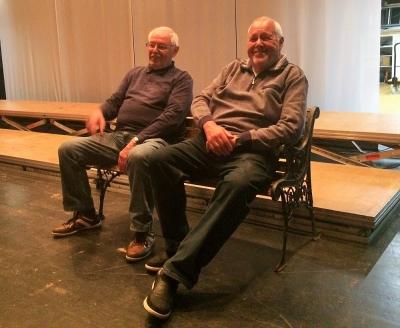 beim Aufbau am 6. Nov (Gustl Braun mit Günter Fahrenschon)